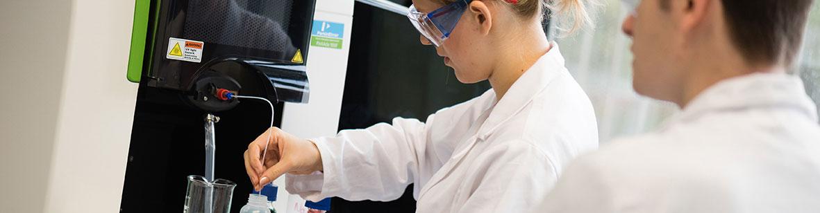 Travaux pratiques en chimie analytique – Carrousel